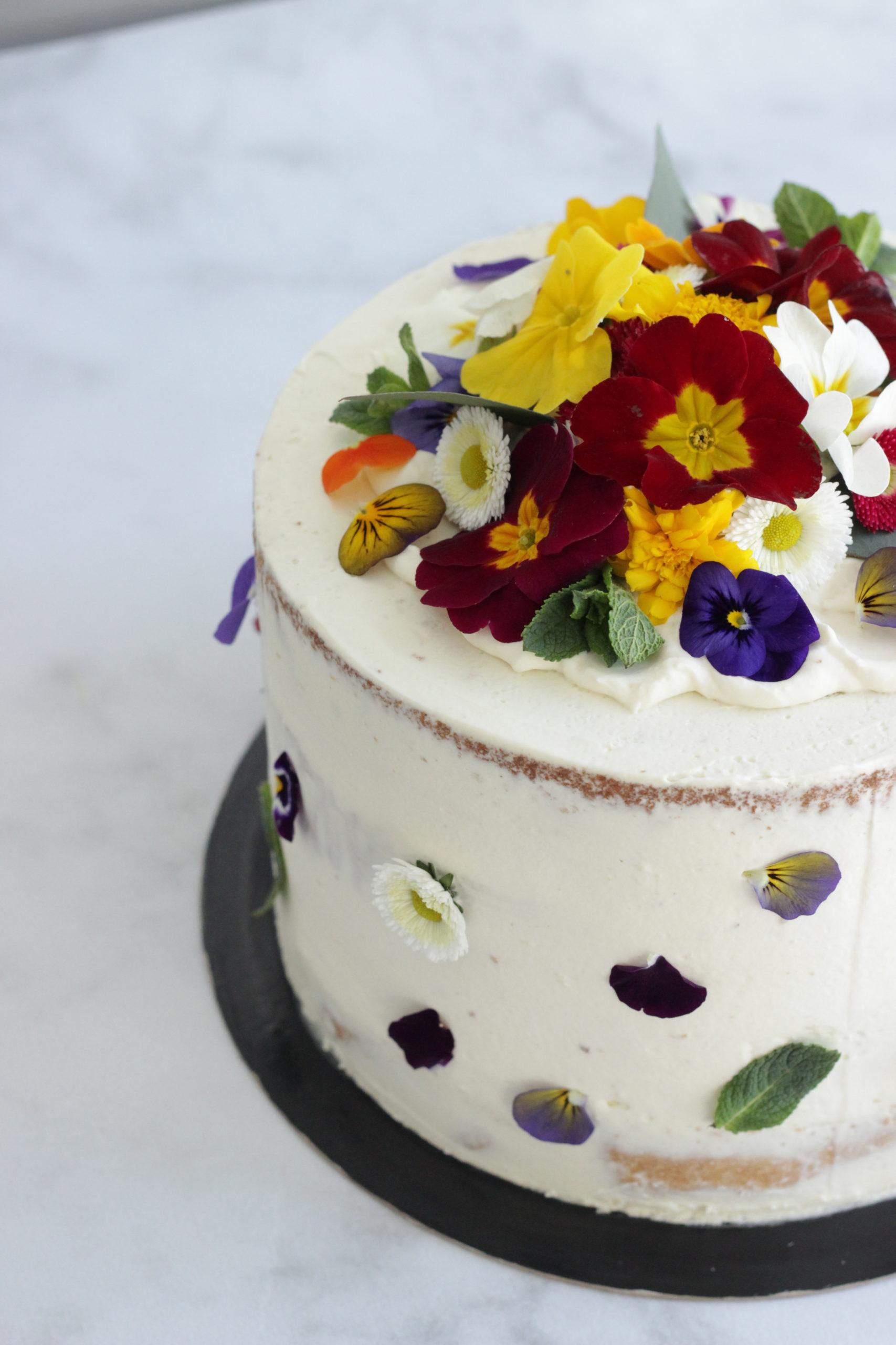 Naked cake fleurs comestibles